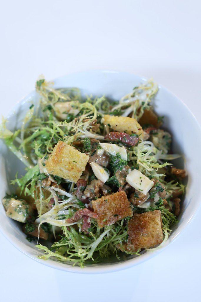 recept franse salade met krulandijvie spek en champignons njam. Black Bedroom Furniture Sets. Home Design Ideas